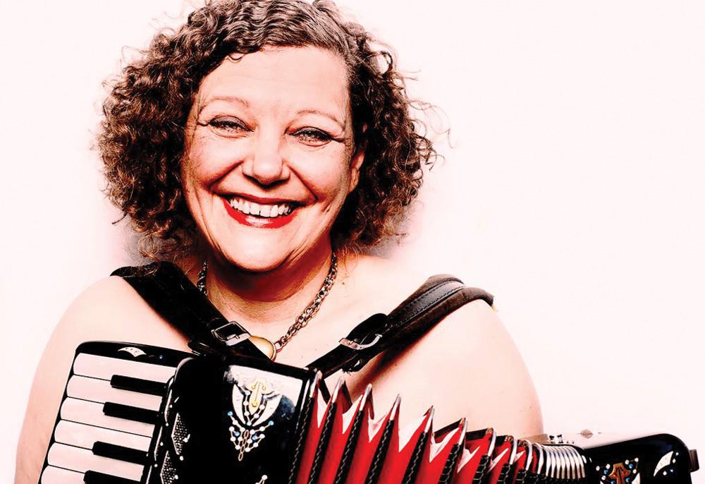 Singer Jeanette Lewicki (Photo/Courtesy Jewish Community Library)