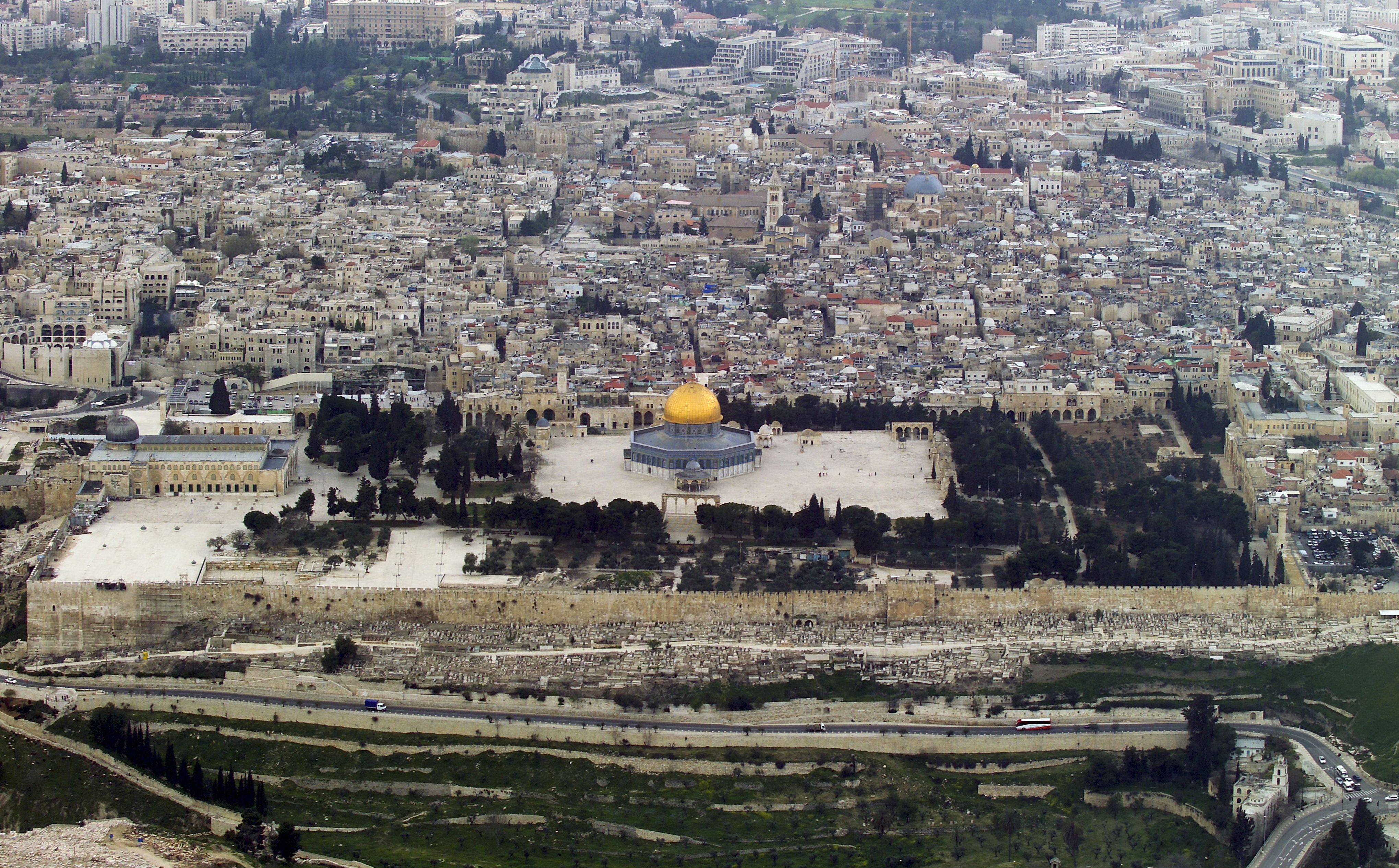 The Temple Mount from the air (Photo/Andrew Shiva-Wikipedia CC BY-SA 4.0)