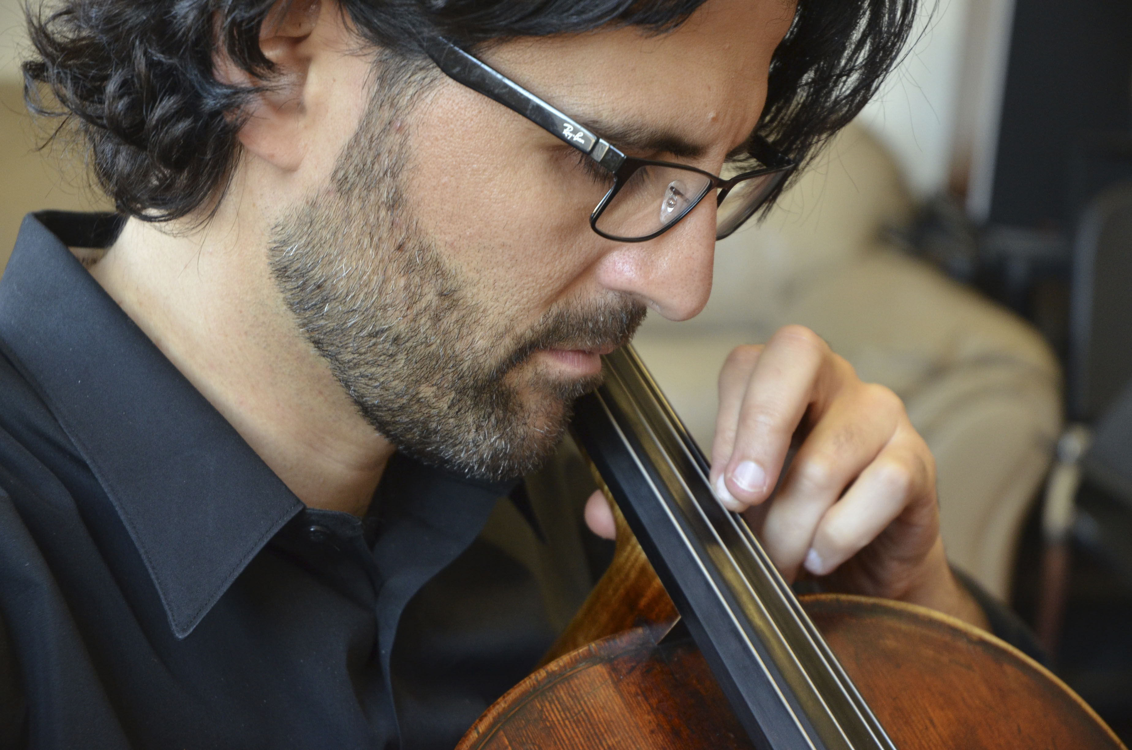 peled plays cello