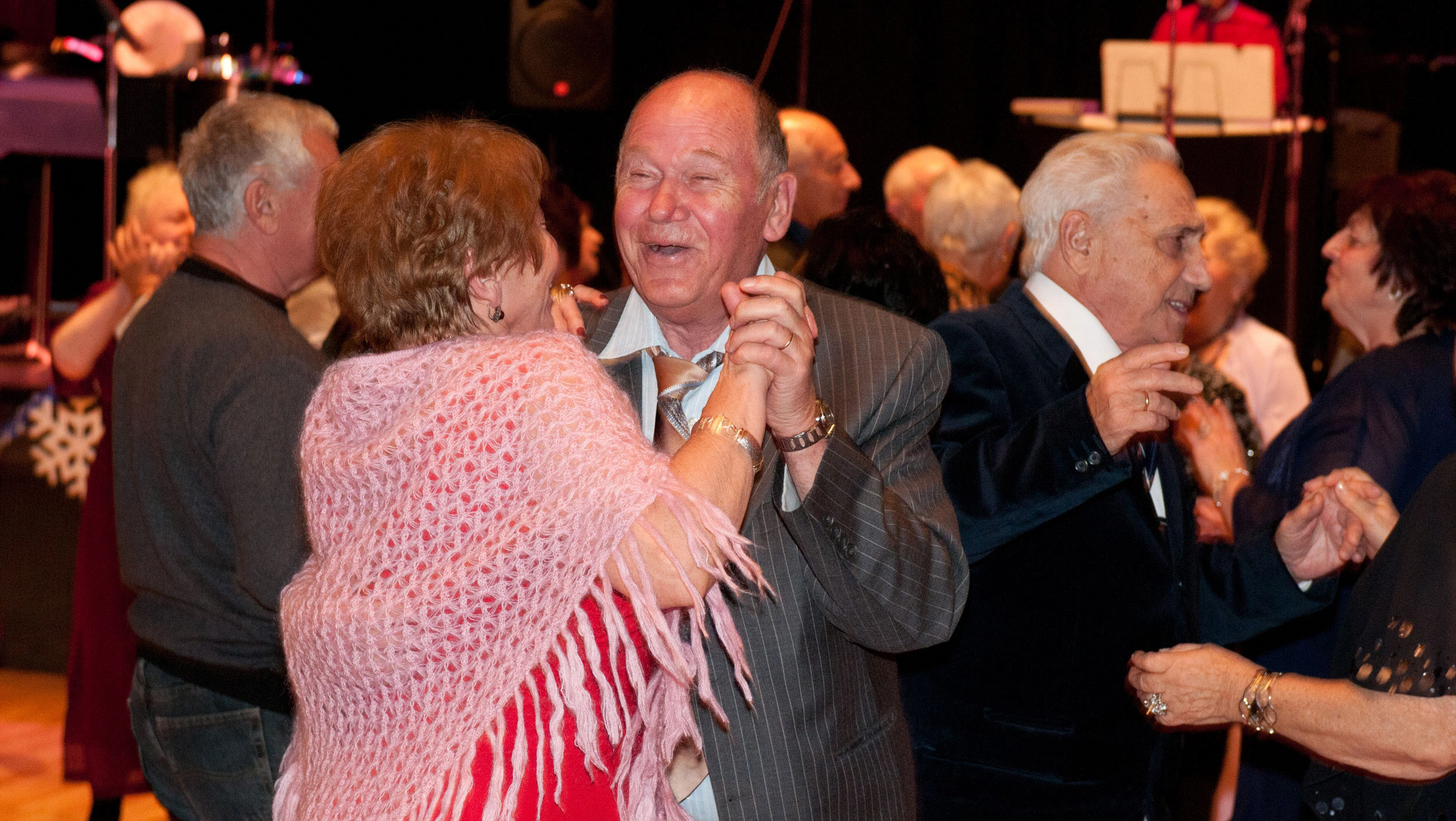 The San Francisco JCC has ended its Russian-language programs, such as this dance event for older Russian Jewish émigrés. (Courtesy/JCCSF)
