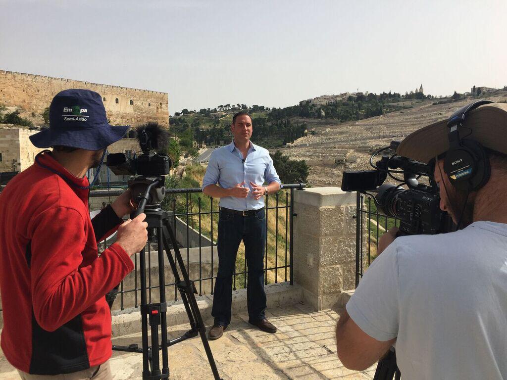 Erick Stakelbeck filming at the City of David in Jerusalem (Photo/Zvi Landsman)