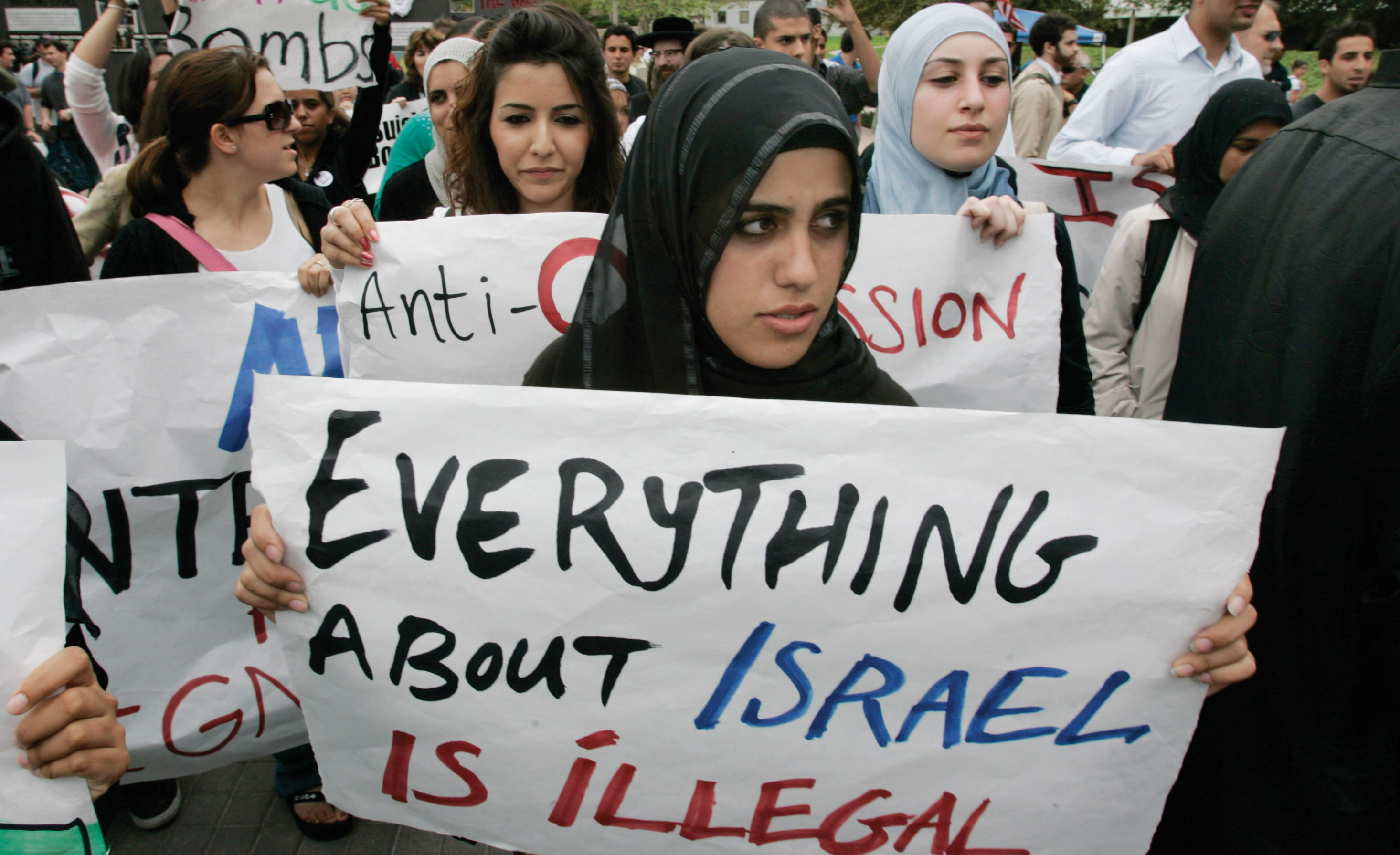 """Protest at UC Irvine after a speech sponsored by the Muslim Student Union entitled """"Israel: The Fourth Reich,"""" Feb. 2016. (Photo/JTA-Mark Boster-Los Angeles Times via Getty Images)"""