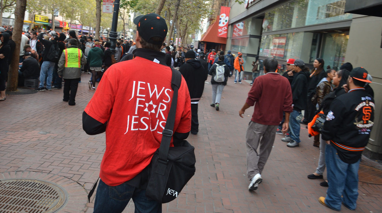 A member of Jews for Jesus proselytizing on Market Street in San Francisco, Oct. 31, 2015 (Photo/Flickr-Steve Rhodes CC BY-NC-ND 2.0)