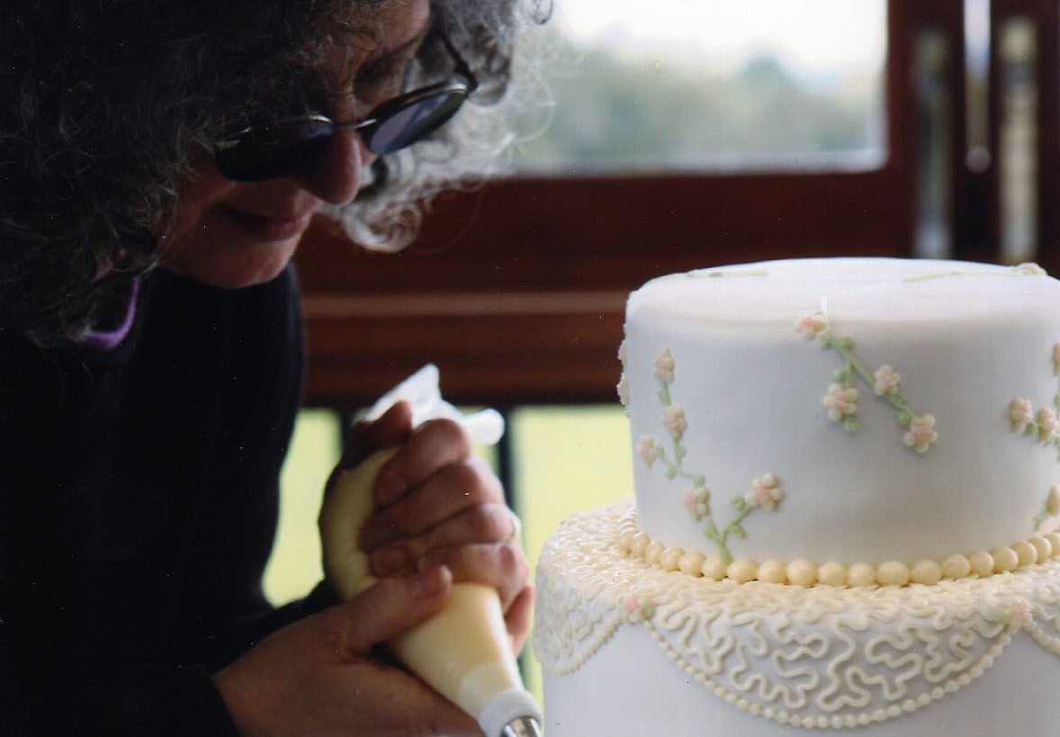After 21 years making kosher wedding cakes in San Francisco, Maralyn Tabatsky has retired.