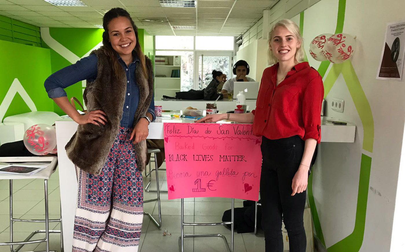 Fulbright scholars McCall Wells, left, and Danielle Elliott are organizing an interfaith seder at the Universidad Camilo José Sela in Villafranca del Castillo, Spain. (Photo/Melissa Marazas)