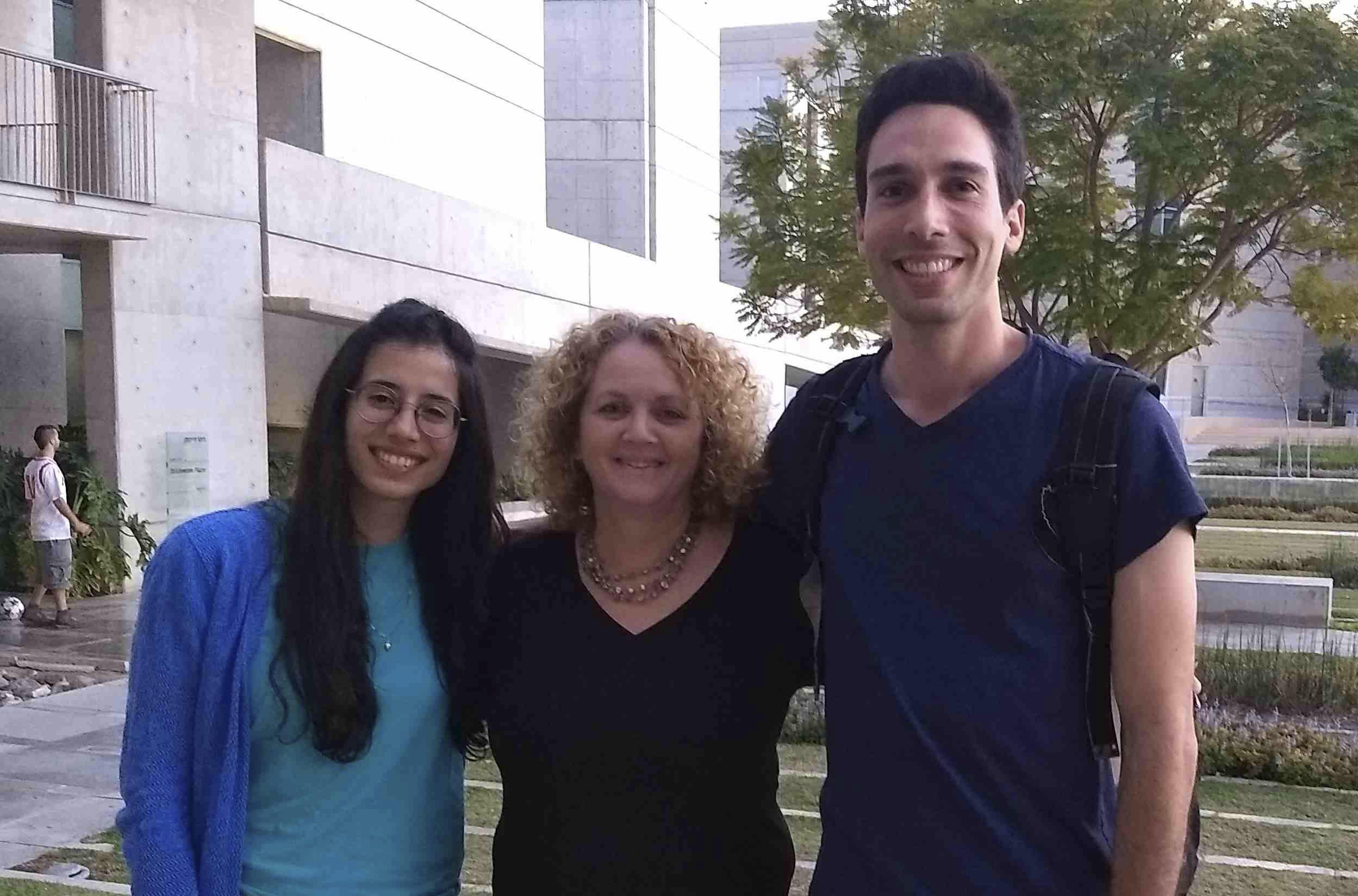 ChoosingTomorrowstudents Noa Gottesman (left) and Ido Brami (right) with coordinator Osnat Halachny Nir (Photo/Maya Mirsky)