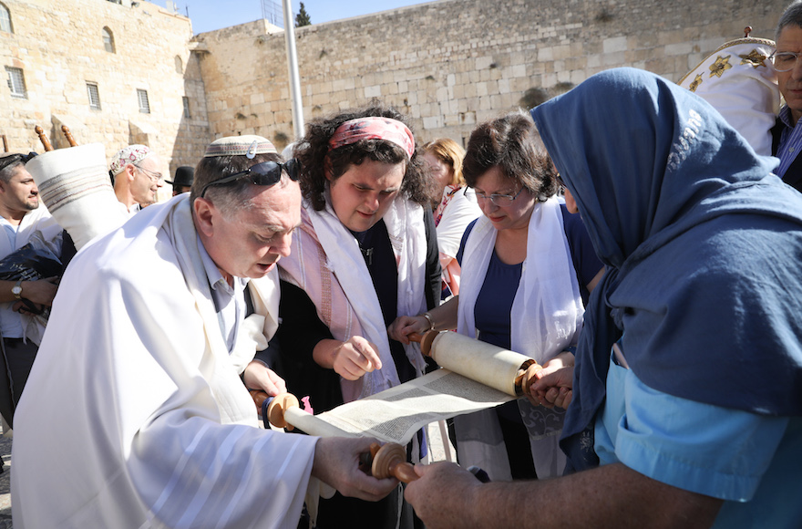 A group of Reform Jews reading Torah during a mixed prayer at the public square in front of the Western Wall, Nov. 16, 2017. (Photo/JTA-Noam Rivkin Fenton-Flash90)