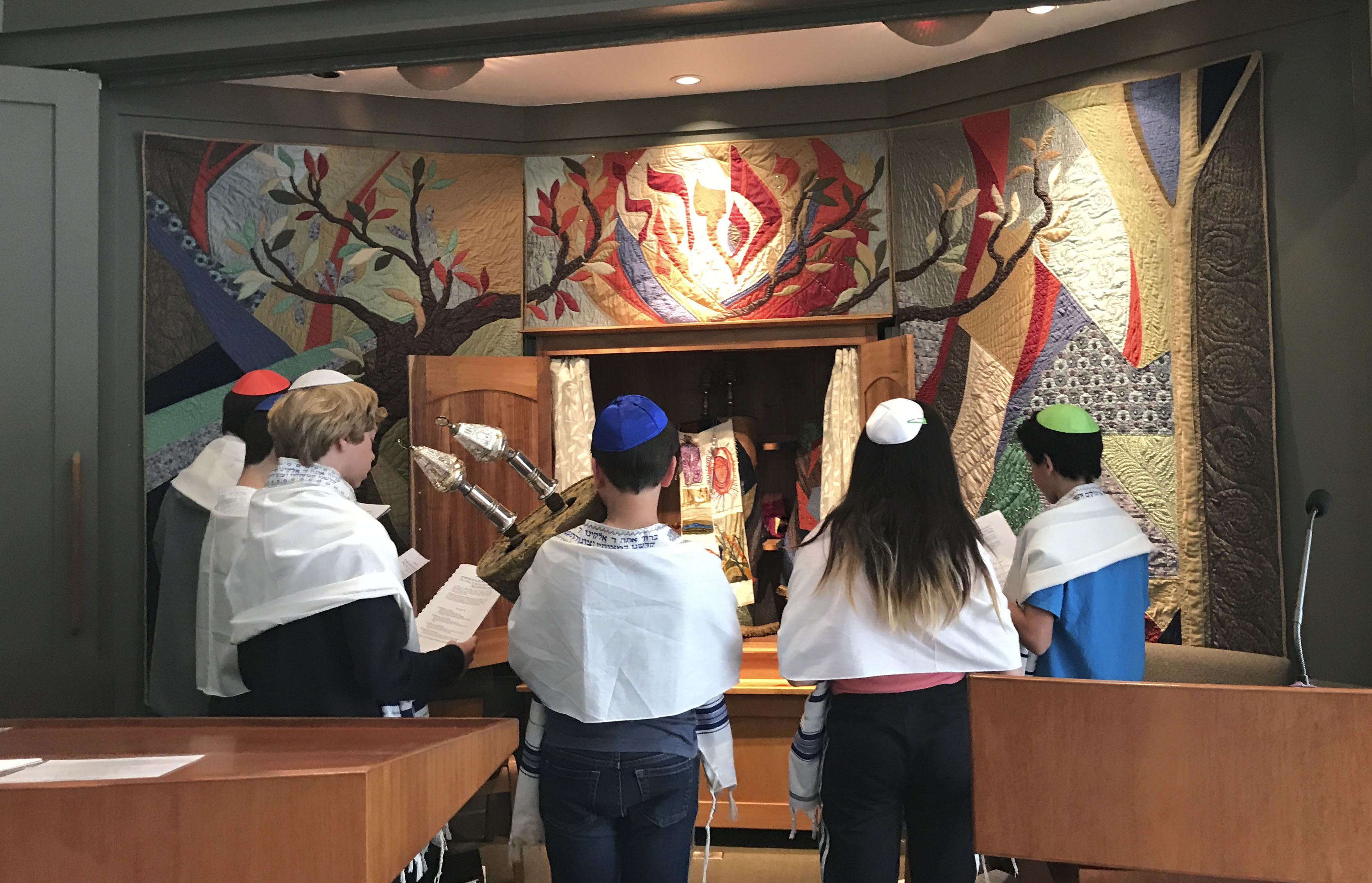 B'nai mitzvah students from Palo Alto School for Jewish Education