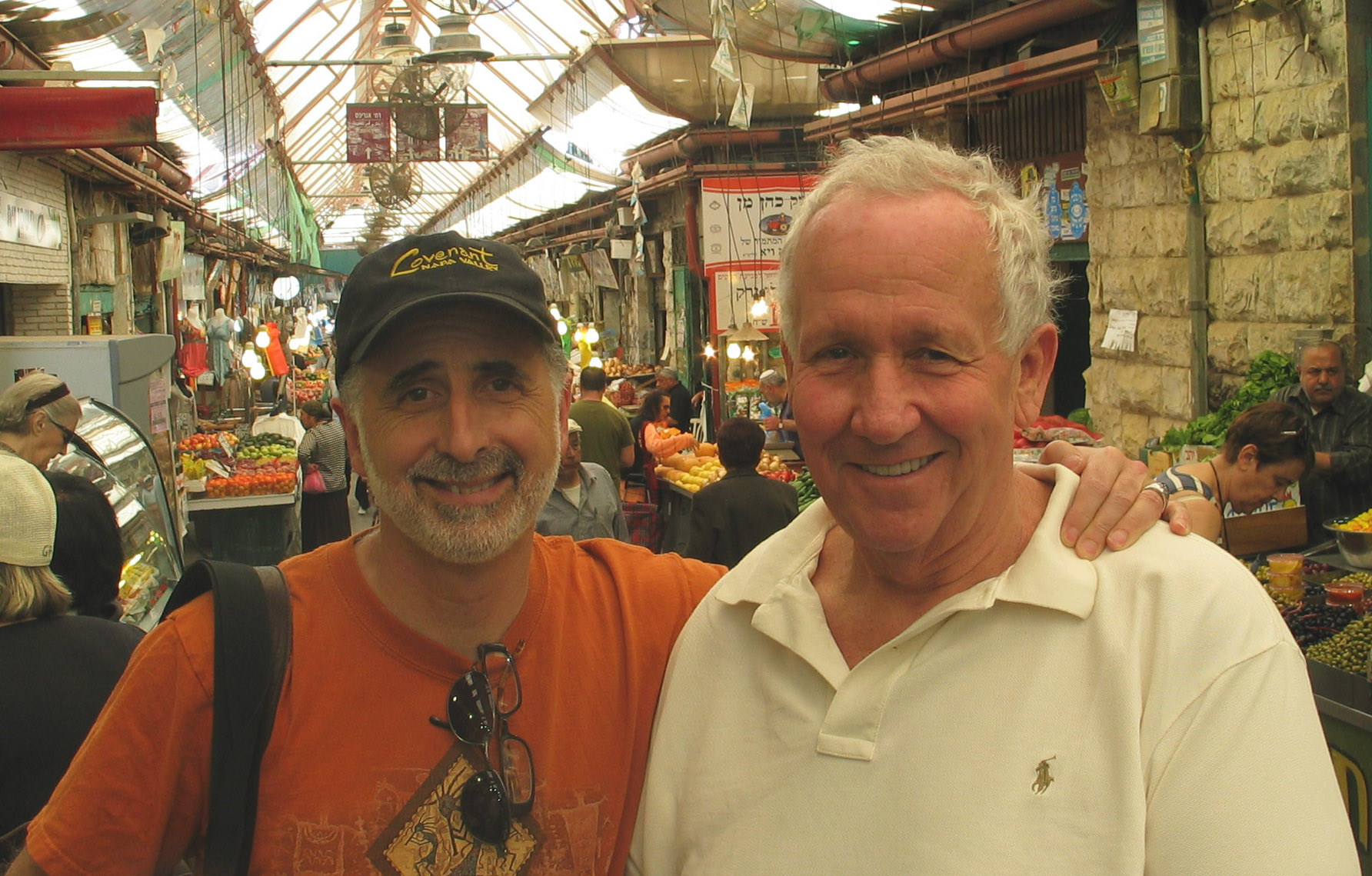Jeff Morgan (left) in the shuk in Jerusalem with his friend Leslie Rudd, who recently passed away (Photo/Courtesy of Jeff Morgan)
