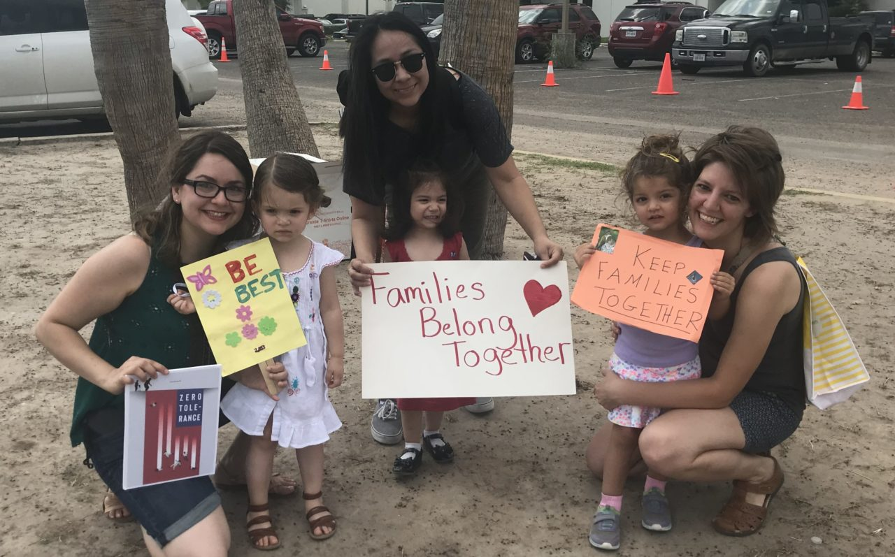 Whole families came to a protest at a migrant detention facility in McAllen, Texas, to speak out against the family separation policy. (Photo/Sonia Daccarret)
