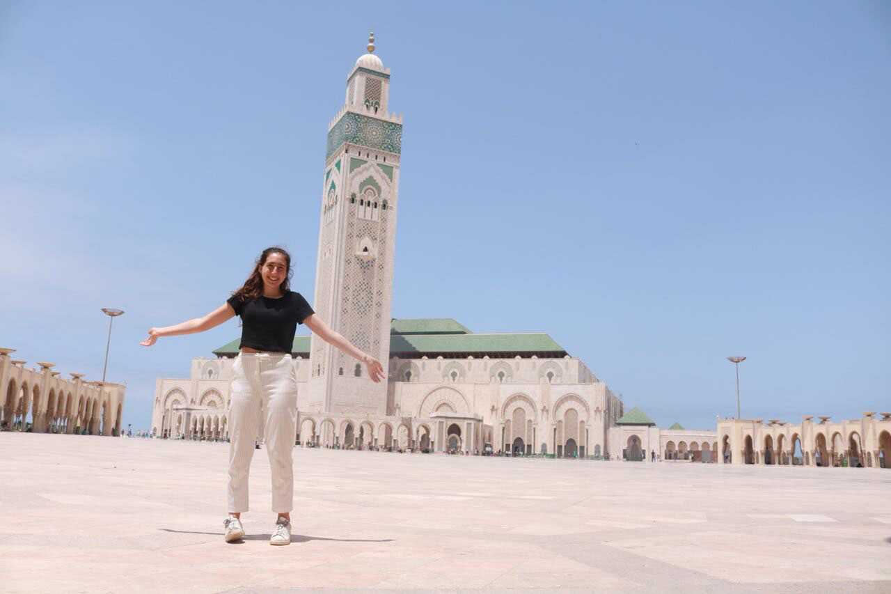 Oakland teen Naomi Moskowitz at a mosque in Casablanca