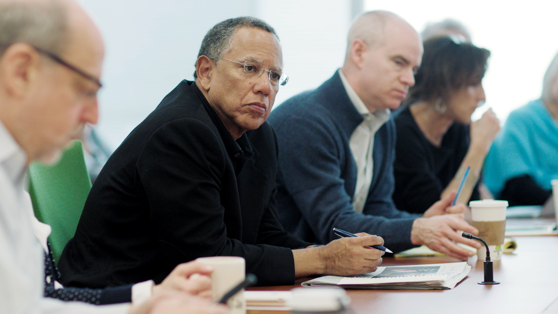 A scene from the SHOWTIME original documentary series THE FOURTH ESTATE (season 1, episode 01). - Photo: Courtesy of SHOWTIME - Photo ID: THEFOURTH_101gr_01.jpg Pictured: Dean Baquet, Executive Editor, oversees the morning meeting at the New York Times in New York, NY.