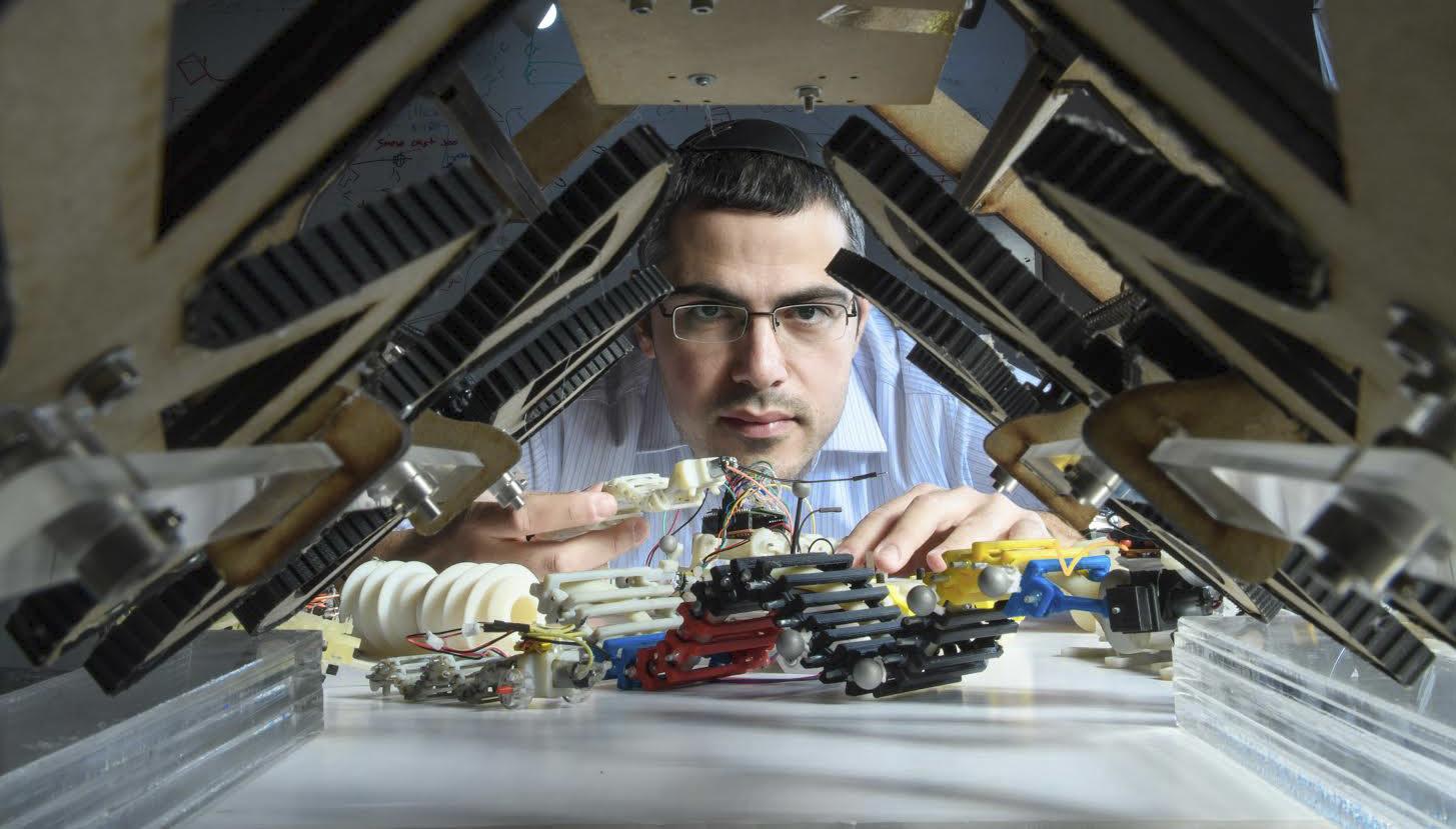 Dr. David Zarrouk in the Medical Robotics Lab at Ben-Gurion University of the Negev (Photo/Dani Machlis)