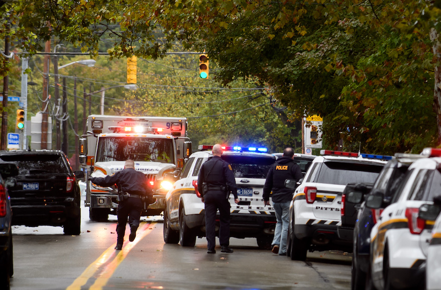 Police respond to the site of a mass shooting at the Tree of Life Synagogue in Pittsburgh, October 27, 2018 (Photo/JTA-Jeff Swensen-Getty Images)