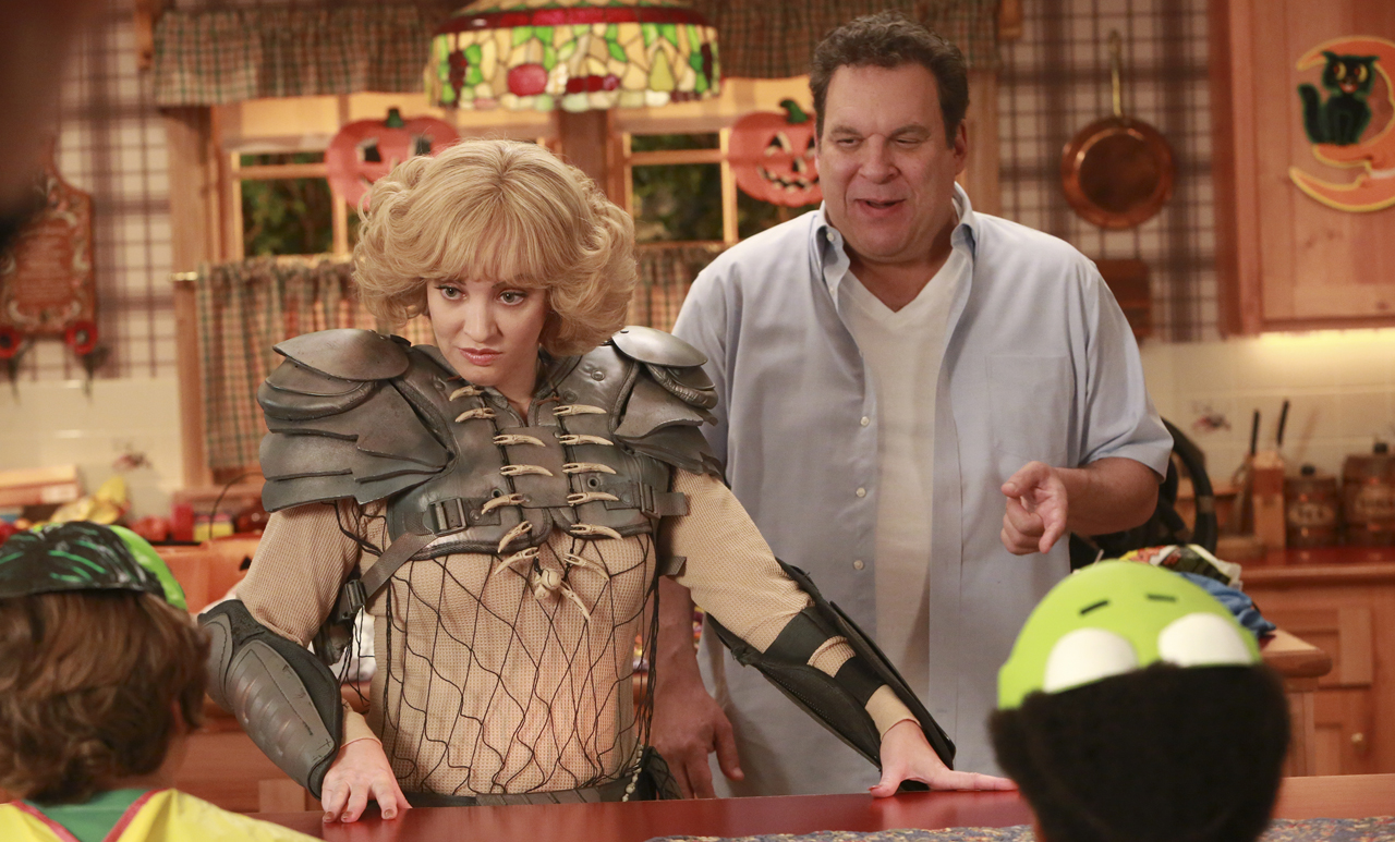 """Wendi McLendon-Covey and Jeff Garlin as Beverly and Murray Goldberg in the ABC comedy """"The Goldbergs"""""""