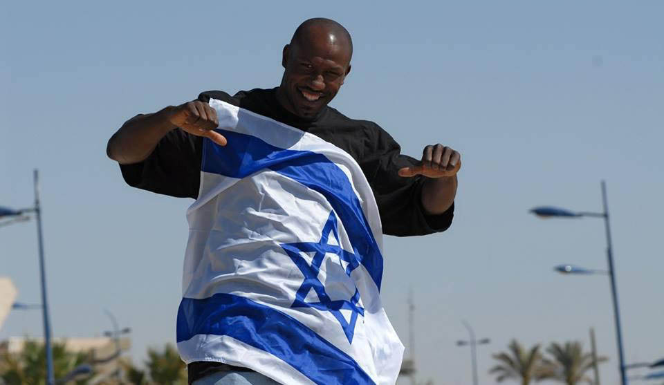 Former NBA player Cory Carr, in Israel since 2000, became a citizen during the 2009-2010 season.