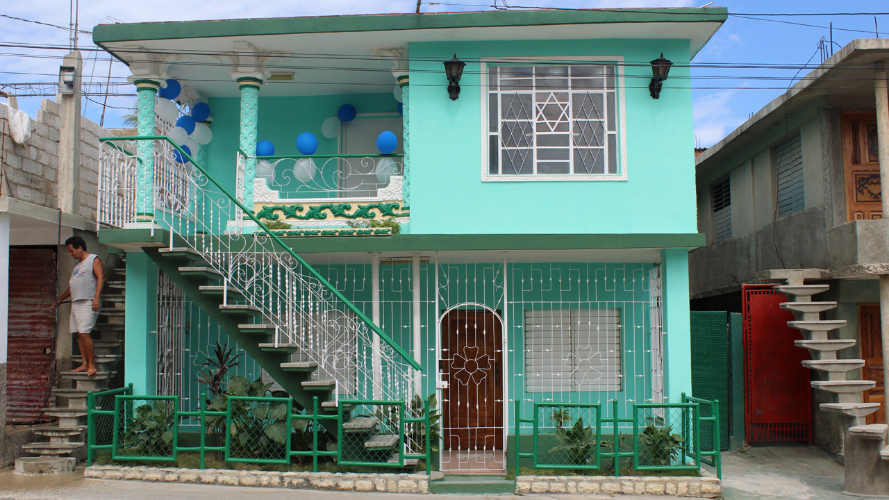 The synagogue of Guantanamo, Cuba, on the second floor of the Mizrahi household, on the eve of the community's 90th anniversary celebration (Photo/Laura Paull)
