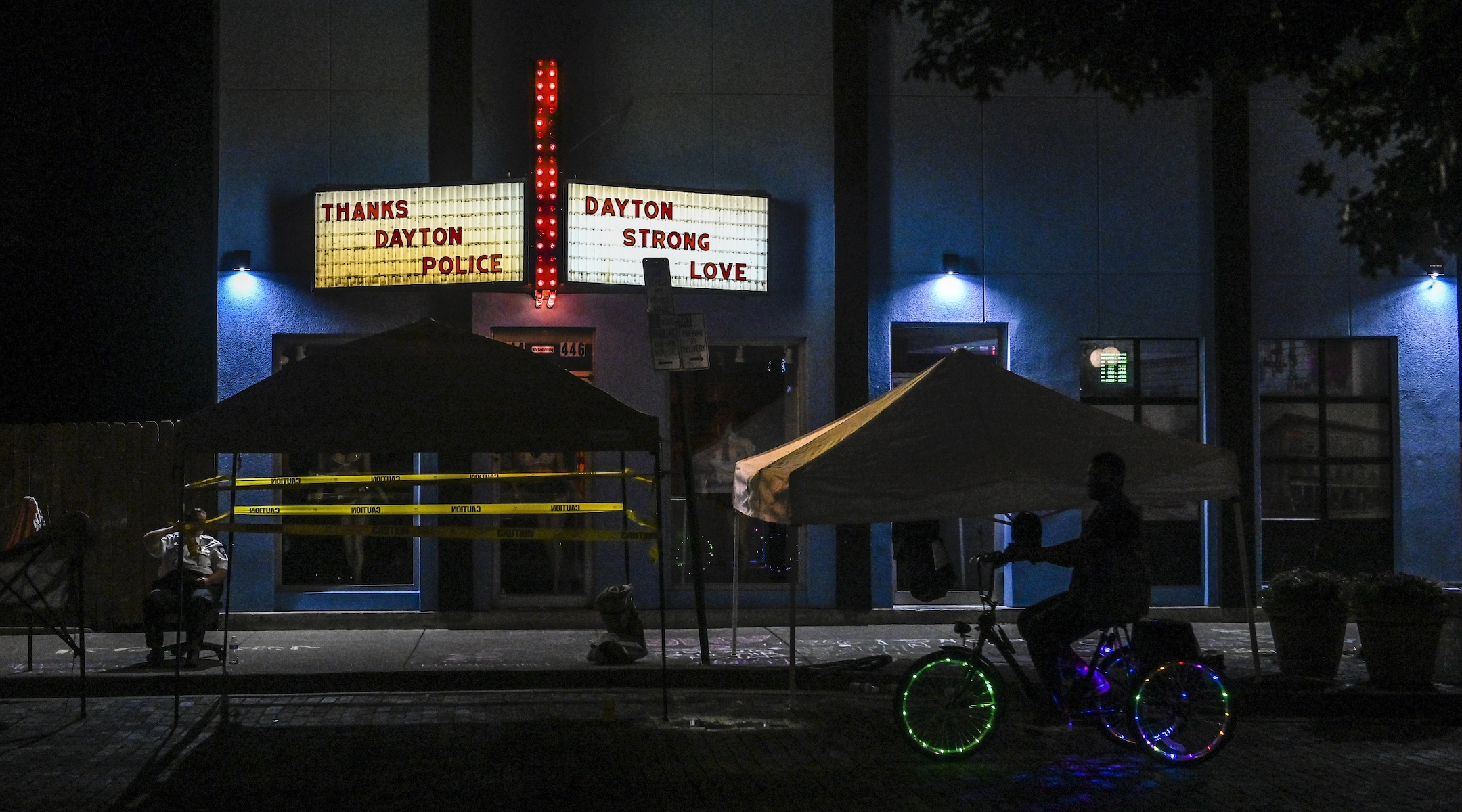 Security officers guard the scene of a mass shooting in Dayton, Ohio, Aug. 5, 2019. (Photo/JTA-Jahi Chikwendiu-The Washington Post via Getty Images)