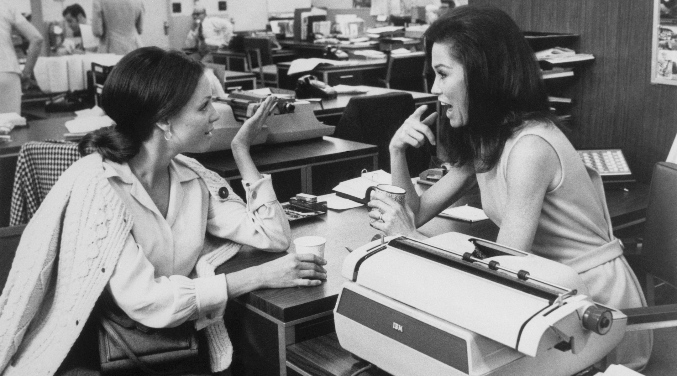 """Valerie Harper, left, as Rhoda with Mary Tyler Moore in the television series """"The Mary Tyler Moore Show."""" (Photo/JTA-Bettmann-Getty Images)"""