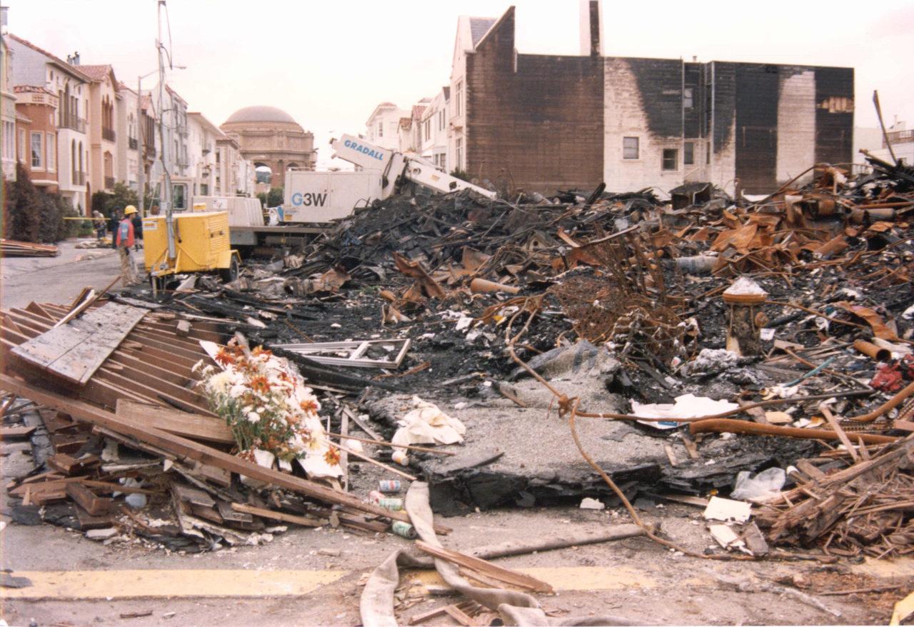 Damage in the Marina District in 1989 following the Loma Prieta earthquake (Photo/Wikimedia Commons)