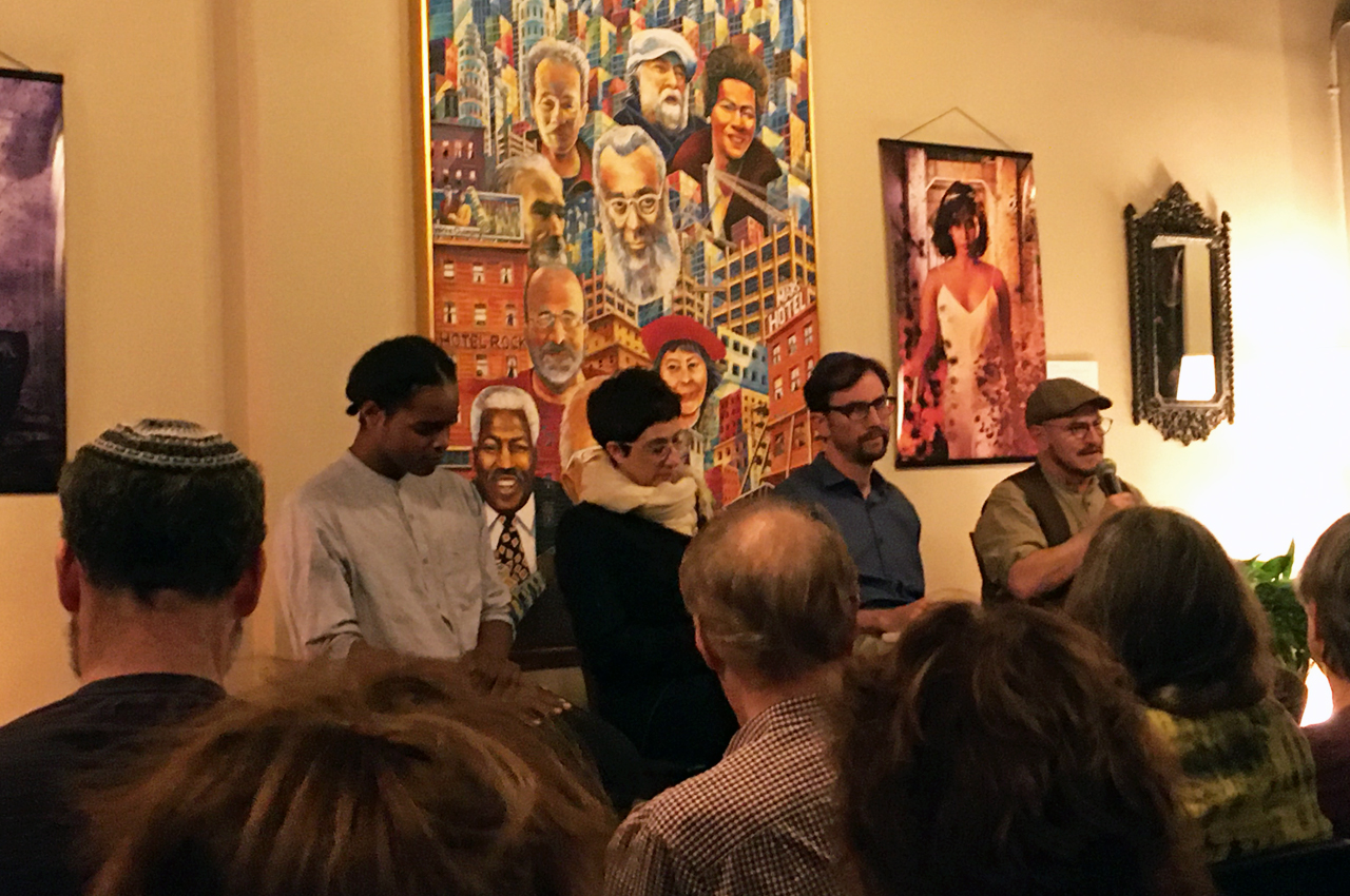 (From left) Levi Maxwell, Rabbi Noa Kushner, Professor Ethan Katz and Jhos Singer discussing Israel and anti-Zionism at Manny's, Oct. 23, 2019 /Gabe Stutman