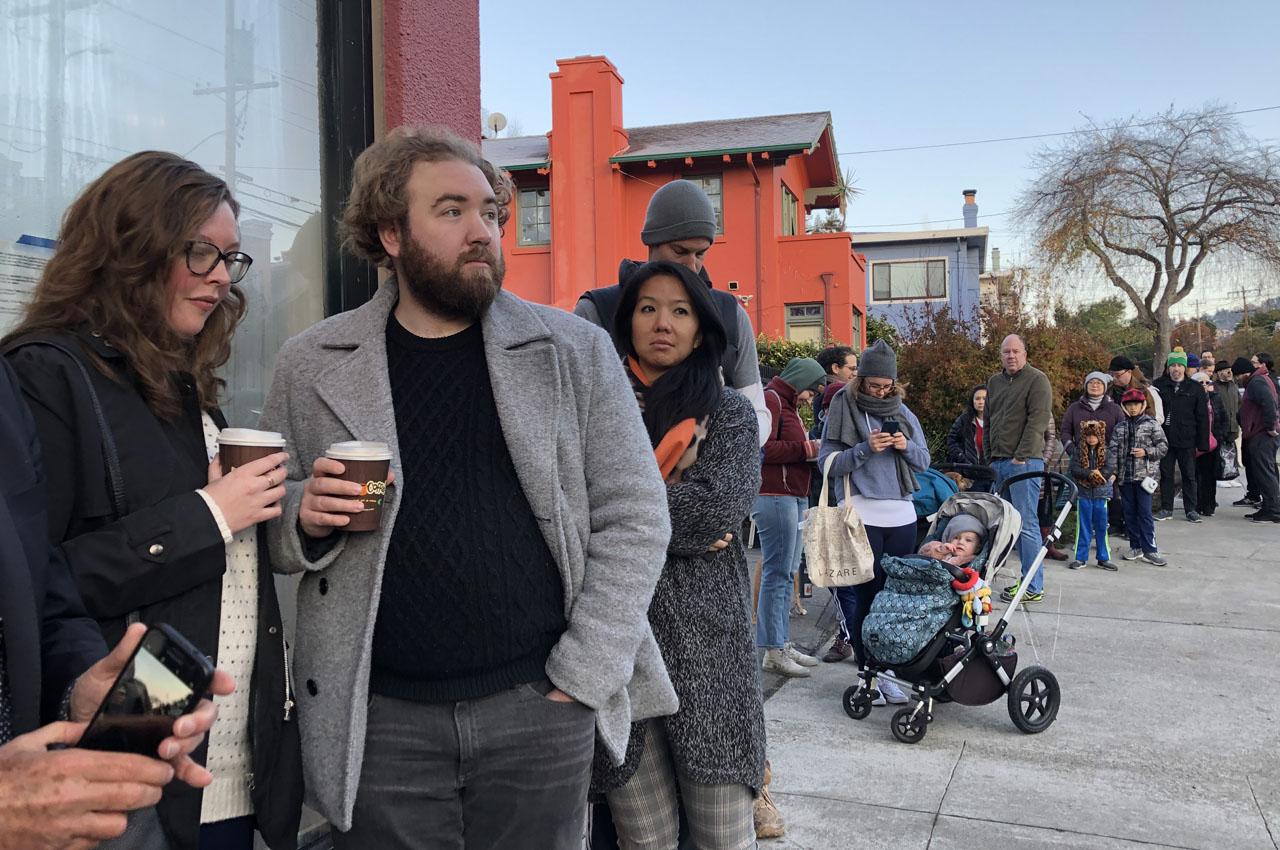 Lines were long as Boichik Bagels opened its doors on Nov. 29, 2019 in Berkeley. (Photo/Alix Wall)