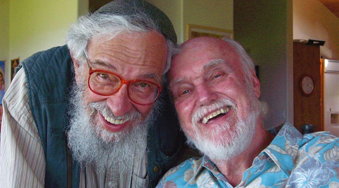 Ram Dass, right, born Richard Albert, with his friend Rabbi Zalman Schachter-Shalomi. (Joan Halifax/Wikimedia Commons)