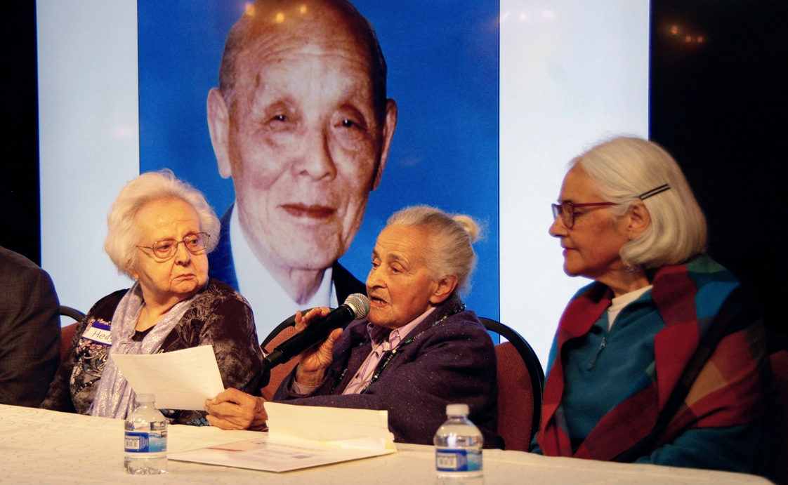 (From left) Hedy Durlester, Lotte Marcus and daughter Naomi Marcus at a Dec. 8 event in San Francisco honoring Feng Shan Ho, who saved thousands of Jews from Nazi Germany. (Andrew Esensten)