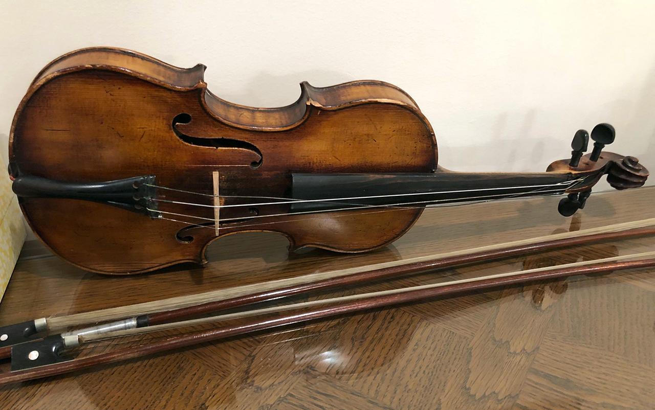 Sam Cohen's violin (COURTESY MARSHA COHEN)