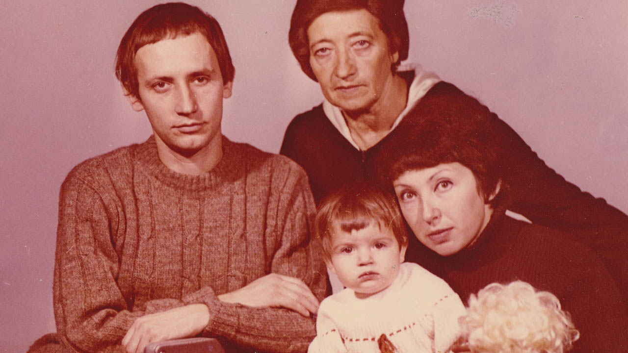 Luda Shuster (right) with daughter Sasha, former husband Volodya and mother-in-law Anya in Moscow 1979.