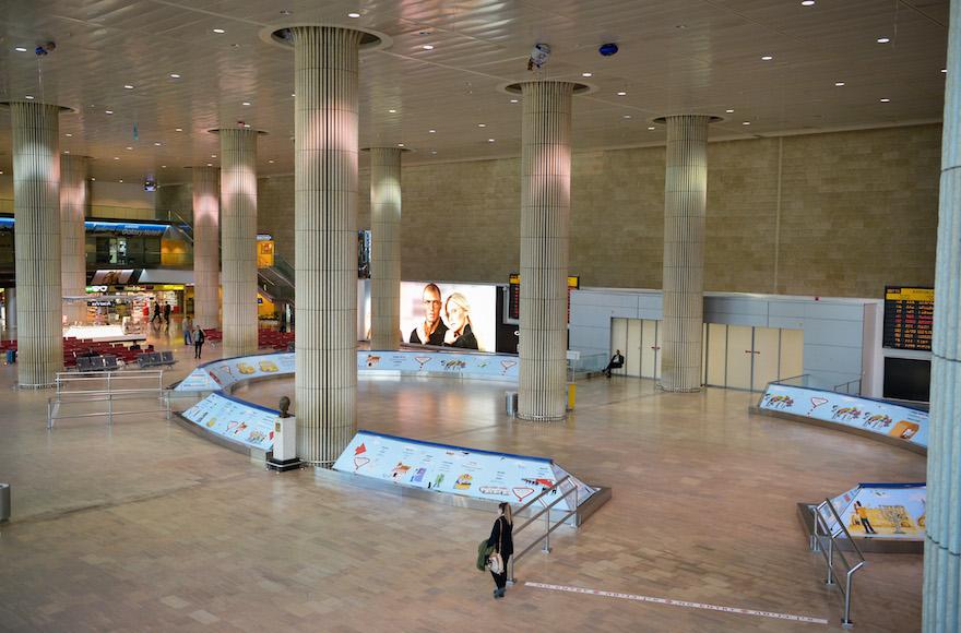 View of the empty terminal hall at the Ben Gurion International airport on Dec. 17, 2017.  (Photo/JTA-Avi Dishi-Flash90)