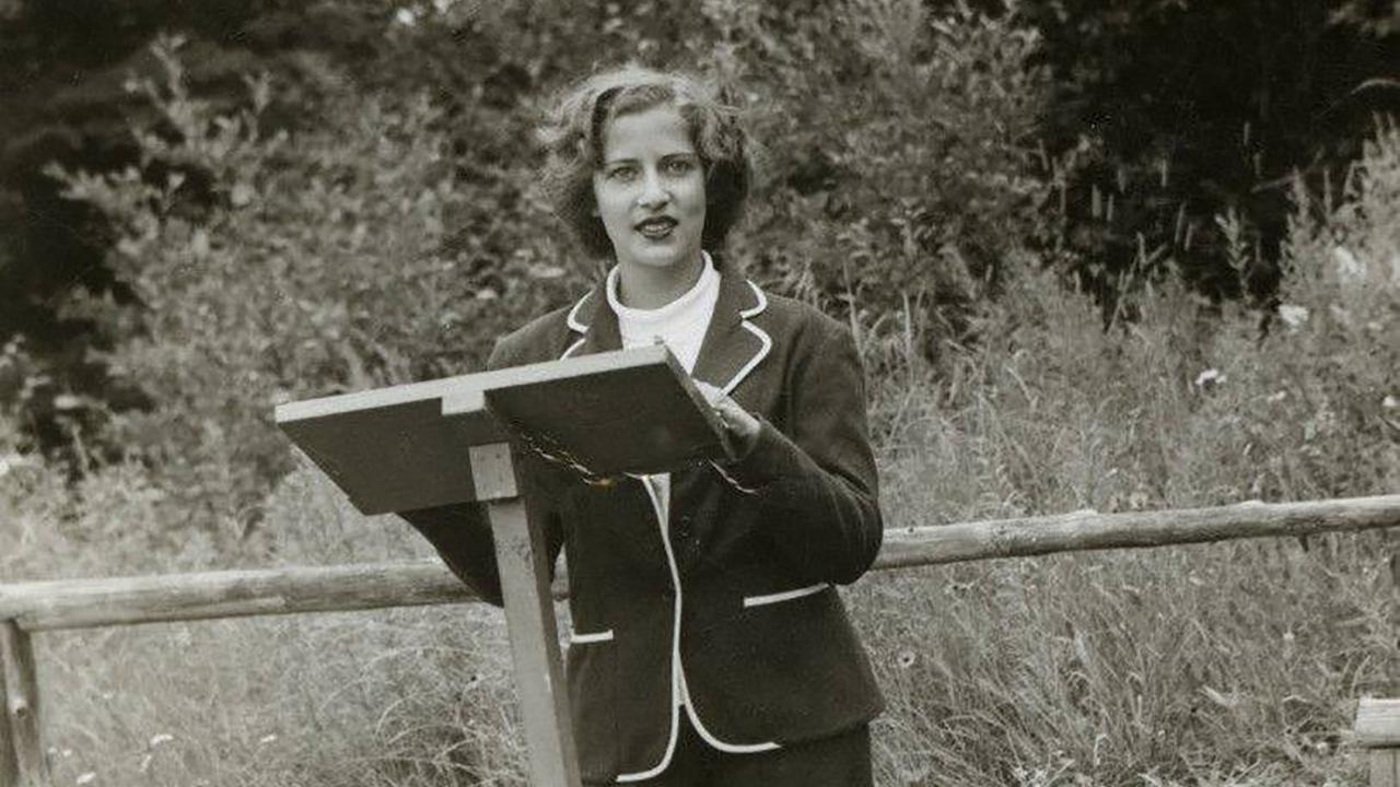 "At Camp Che-Ne-Wah in the Adirondacks, future Supreme Court Justice Ruth Bader Ginsburg was sometimes called the camp's ""junior rabbi."" (Photo/heyalma.com)"
