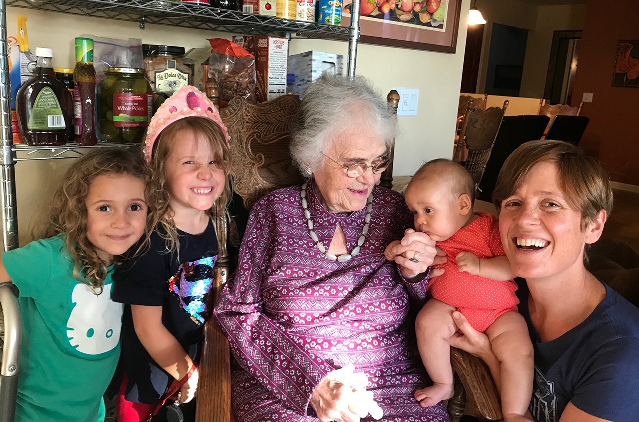 Florence Metz with her granddaughter and several great-granddaughters. (Photo/Carolyn Metz)
