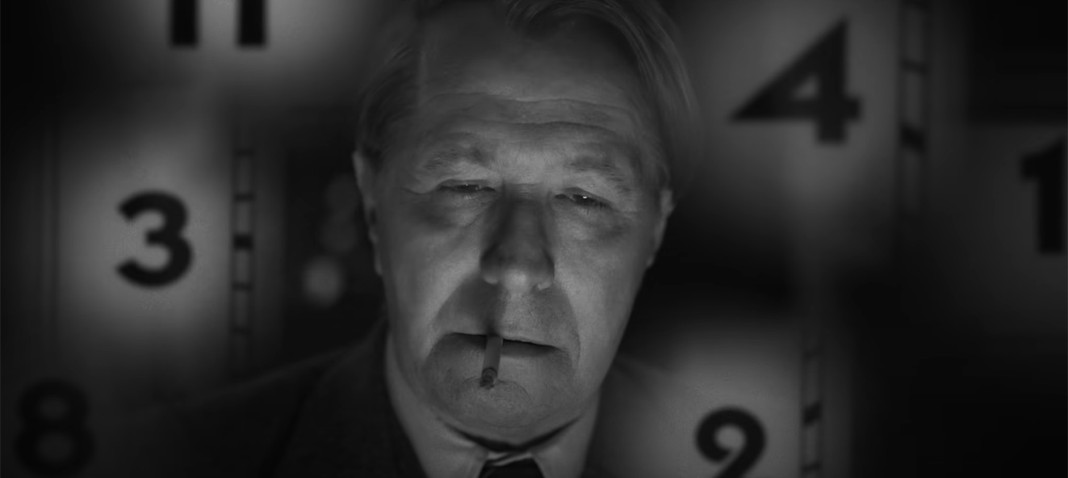 "Gary Oldman plays Herman Mankiewicz in ""Mank."" (Screenshot/YouTube)"