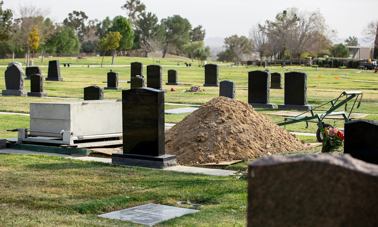 A view of some of the graves at the Groman Eden Mortuary in Eden Memorial Park in Mission Hills, California. (Photo/JTA-Anthony Lampe)