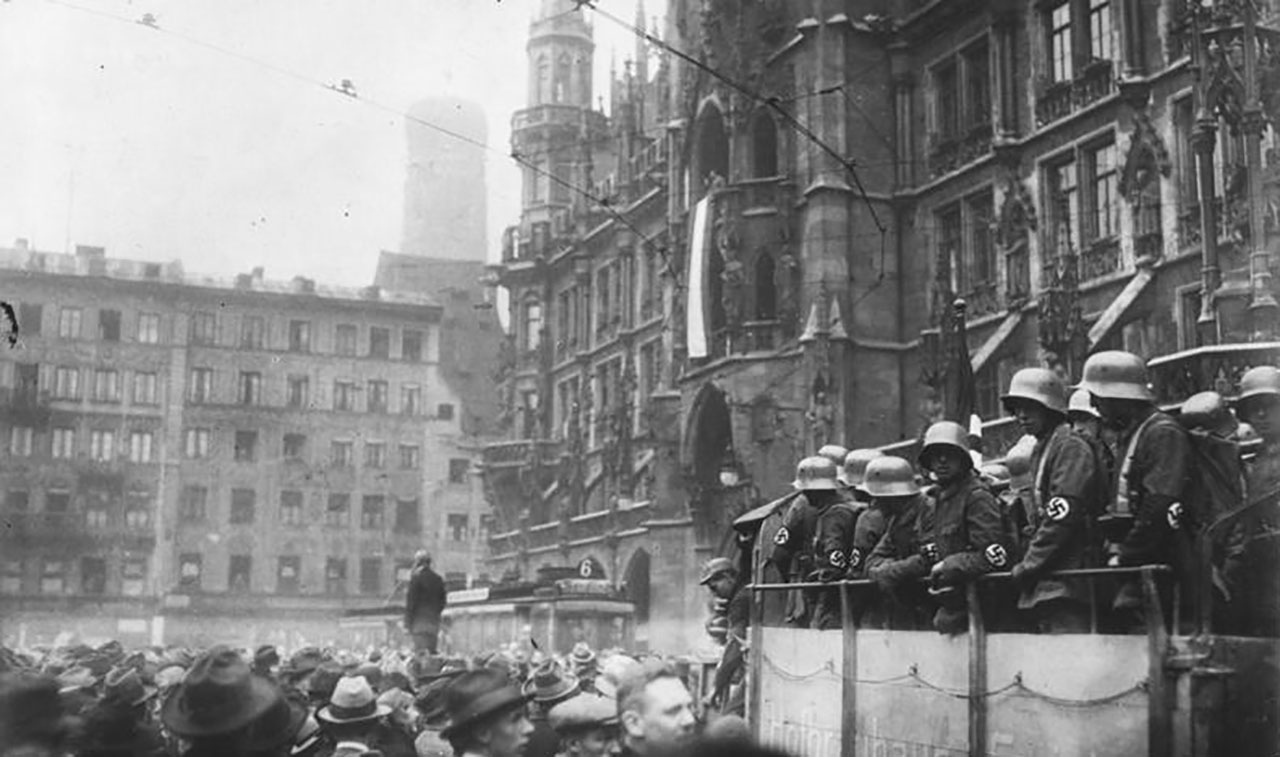 Munich during the 1923 Beer Hall Putsch, in which Hitler and the early Nazi party attempted to overthrow the Weimar government. (Photo/Wikimedia-Bundesarchive CC BY-SA 3.0)