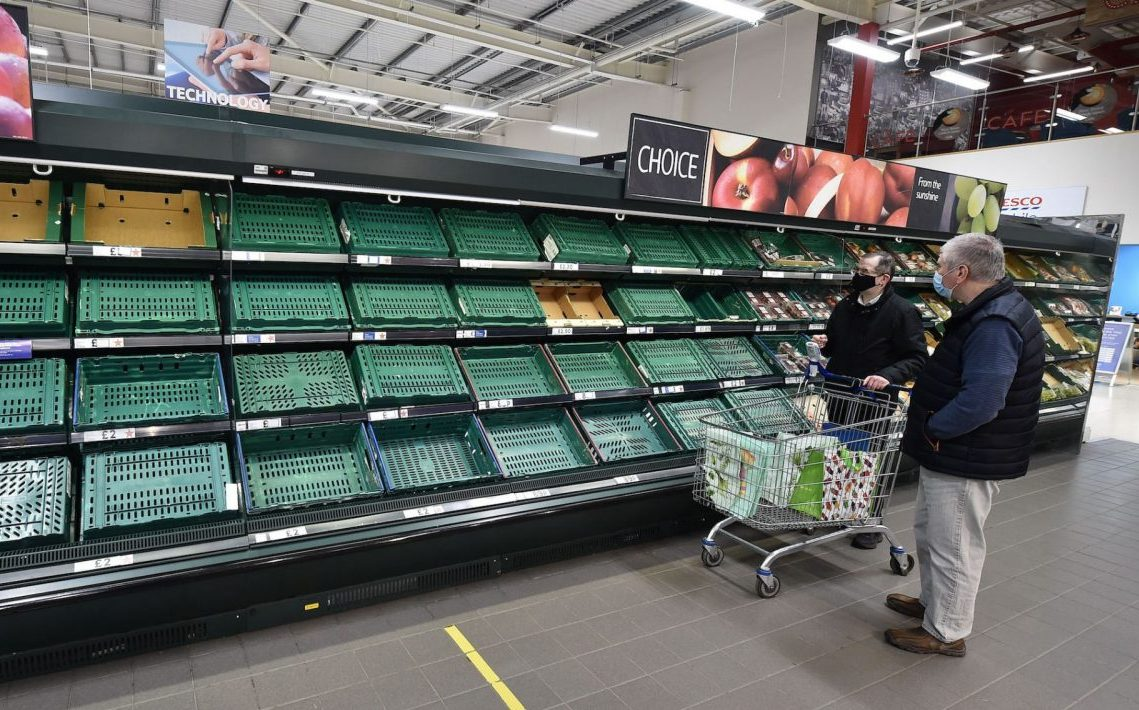 Shoppers faced with empty produce shelves in Belfast, Jan. 14, 2021. (Photo/JTA-Charles McQuillan-Getty Images)