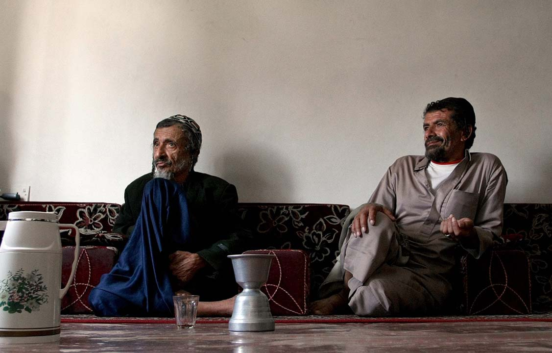 Rabbi Youssef Moussa (left) and his brother Salem sit in an apartment in Sanaa, Yemen, Nov. 10, 2009, after fleeing conflict in the northern part of the country. (Photo/JTA-Marwan Naamani-AFP via Getty Images)