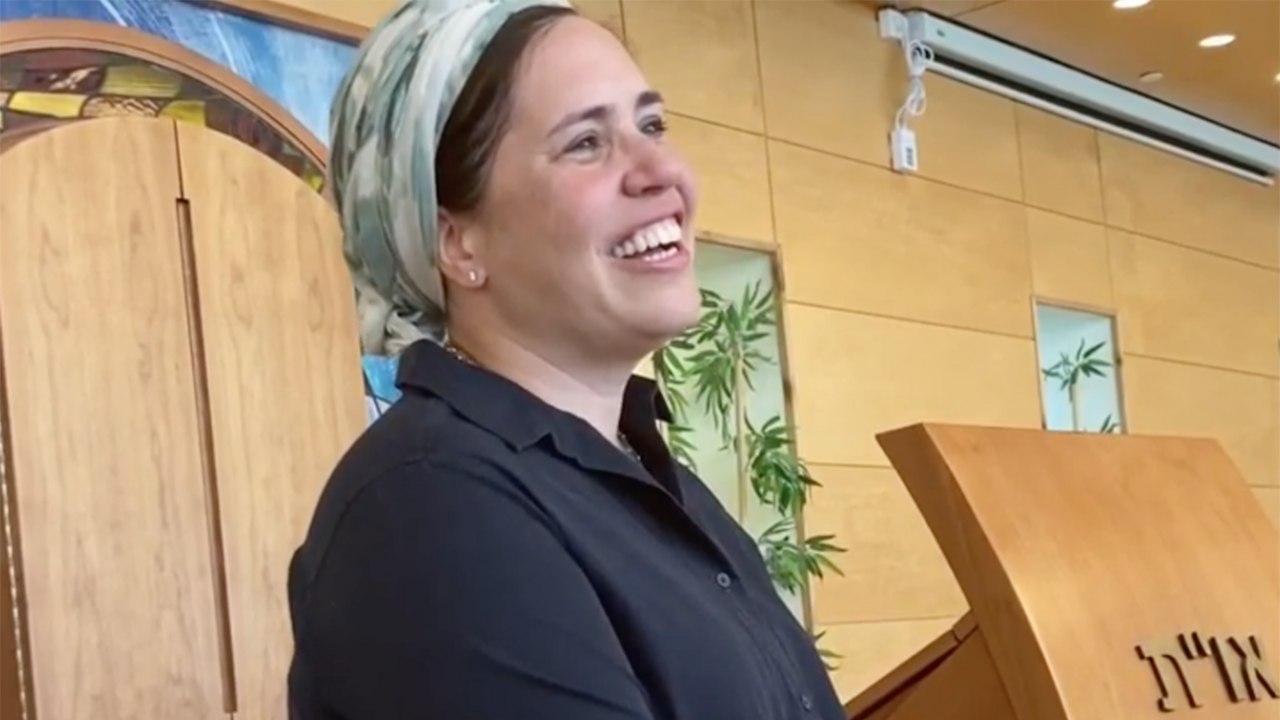 Rabbanit Shira Marili Mirvis will be the spiritual leader of Shirat Hatamar, an Orthodox synagogue in the West Bank settlement of Efrat. (Screenshot/JTA)