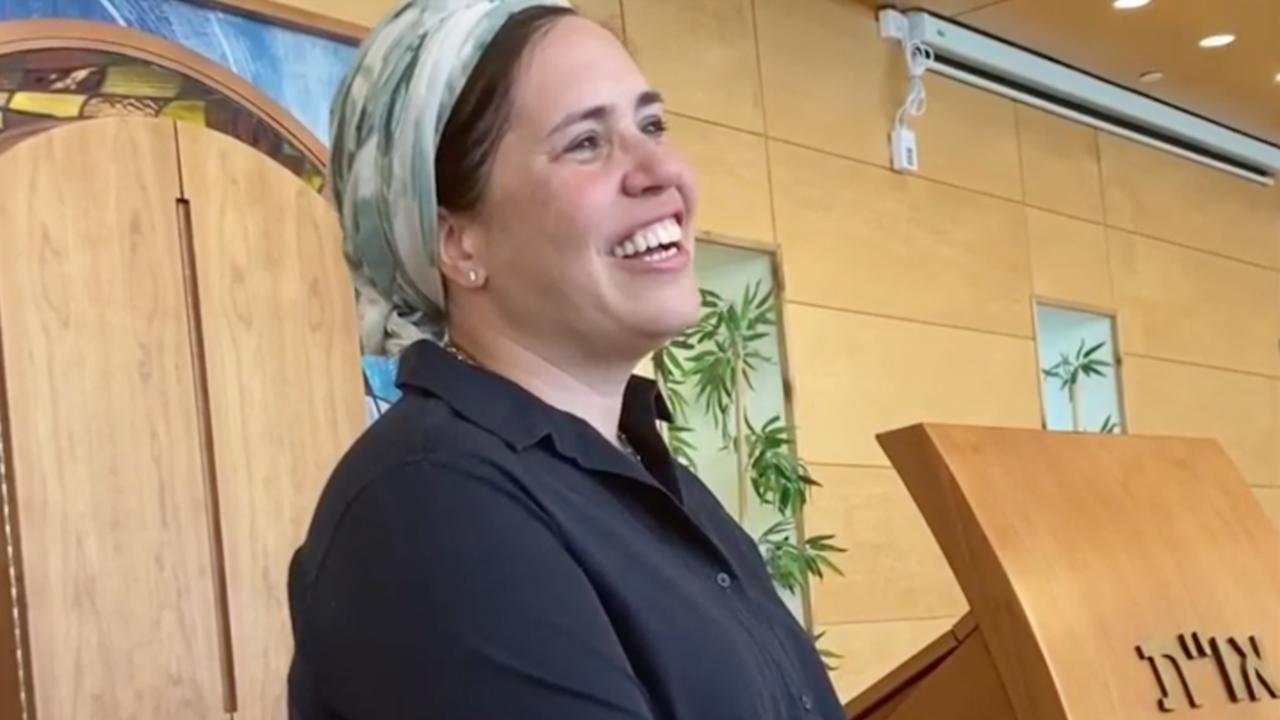 Rabbanit Shira Marili Mirvis will be the spiritual leader of Shirat Hatamar, an Orthodox synagogue in the West Bank settlement of Efrat. (Screenshot/JTA)