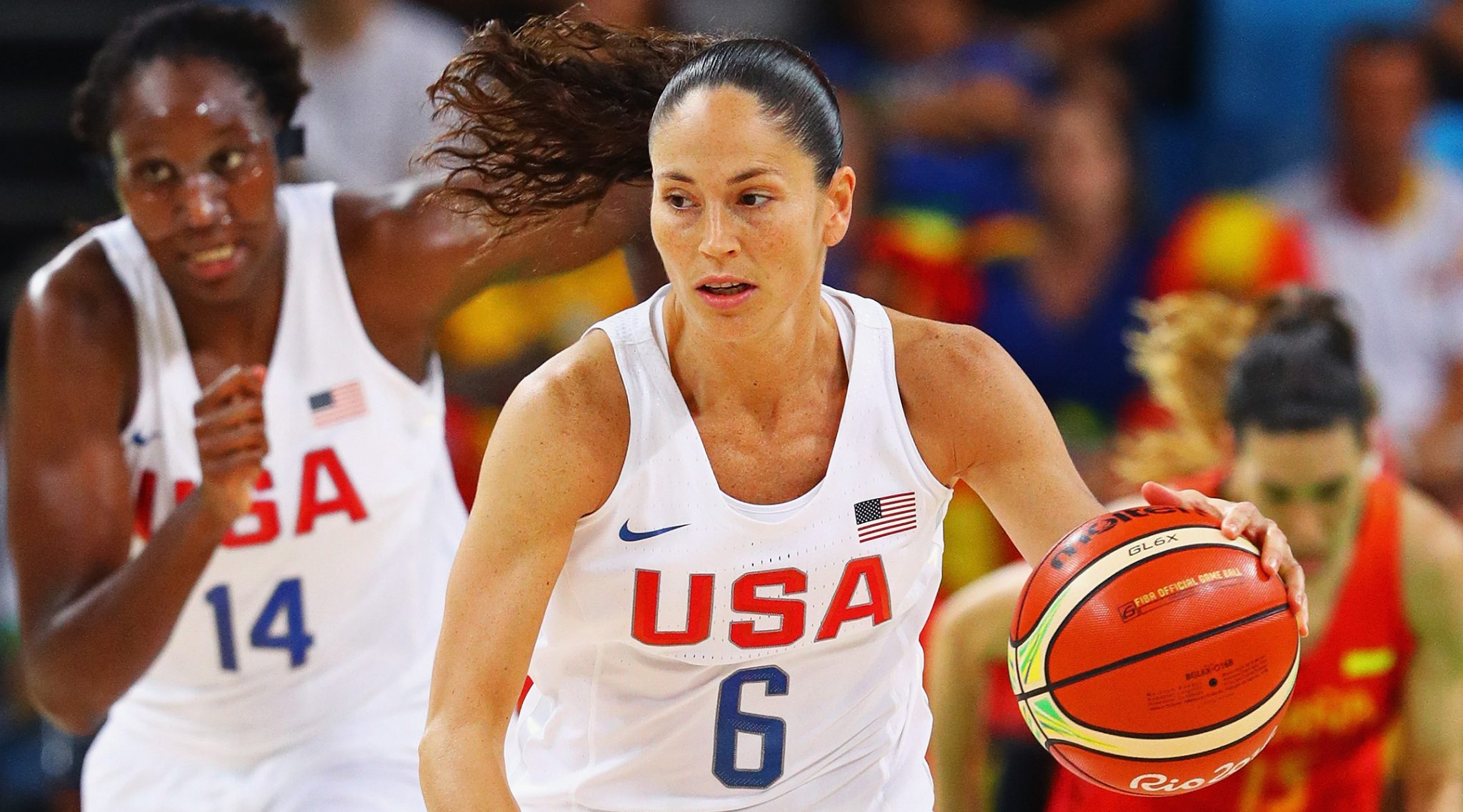 Sue Bird drives to the basket in the women's gold medal game between the United States and Spain at the 2016 Rio Olympic Games, Aug. 20, 2016. (Photo/JTA-Tom Pennington-Getty Images)