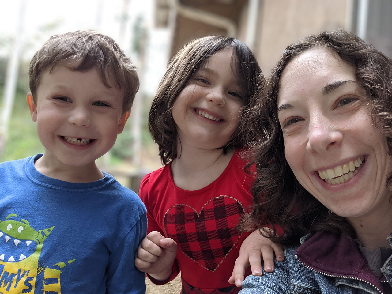 Jenette Woskow, with children Xavier and Elise, is the marketing and publicity chair of Kesher Oak Hadassah, a relatively new chapter of Hadassah, the venerable Zionist women's group.