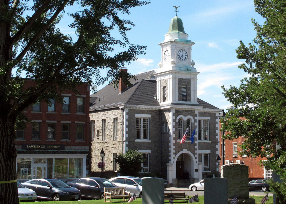 The Litchfield Judicial District Courthouse in Litchfield, Connecticut. (Photo/RNS-AP-Dave Collins)