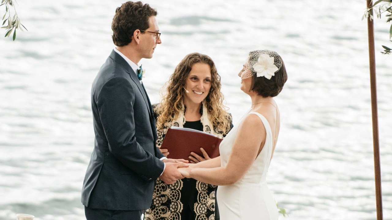 Rabbi Samantha Kahn officiates an interfaith wedding in the Bay Area. (Photo/Courtesy of 18Doors)