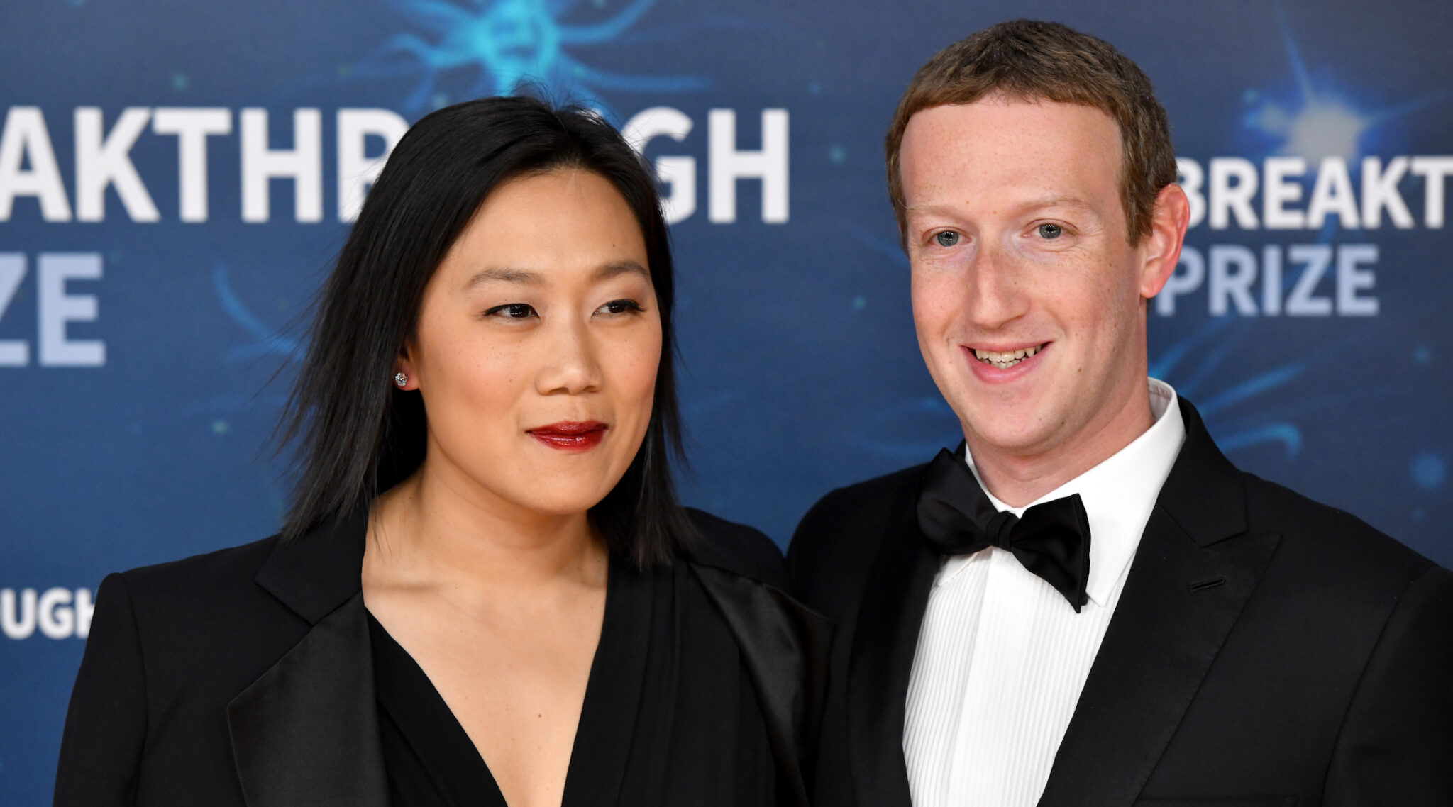 Priscilla Chan and Mark Zuckerberg attend the 2020 Breakthrough Prize Red Carpet at NASA Ames Research Center in Mountain View, California on Nov. 3, 2019. (Photo/JTA-Ian Tuttle-Getty Images for Breakthrough Prize)