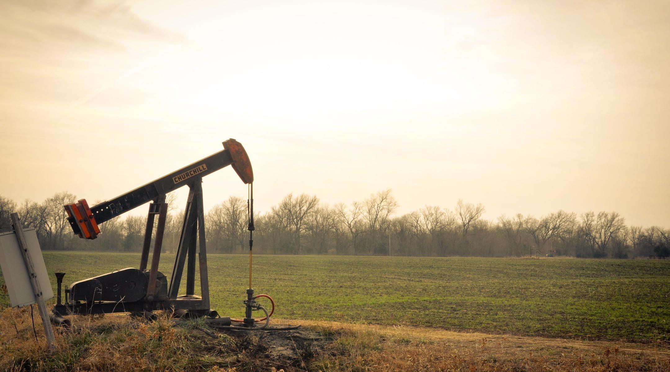 An oil derrick near farm fields in Oklahoma. (Photo/JTA-Sarah Nichols-Flickr Commons)