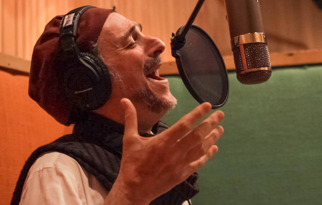 Cantor Richard Kaplan in the recording studio. (Photo/Irene Young)