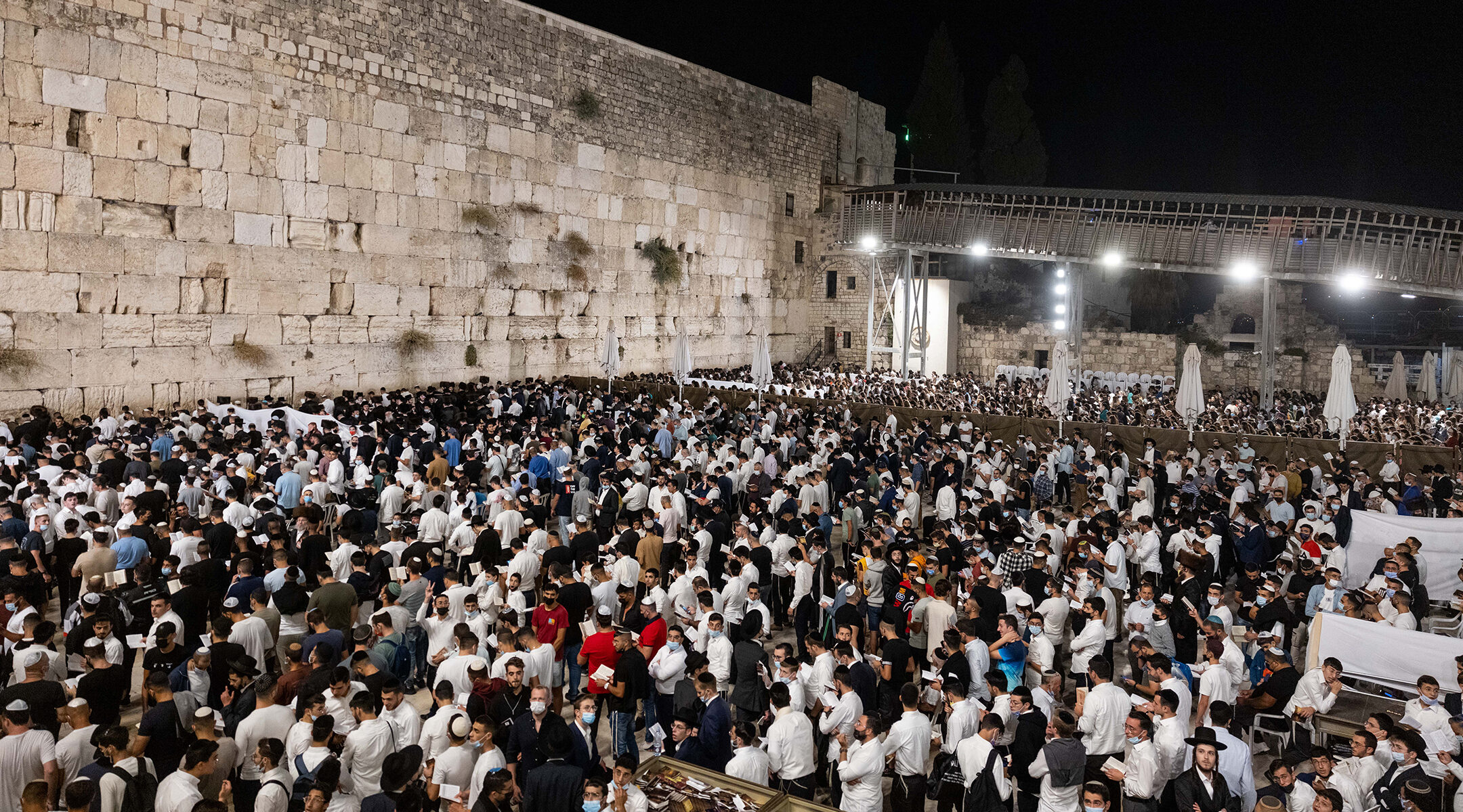 Jews pray for forgiveness at the Western Wall in the Old City of Jerusalem a day before the Jewish New Year, Sept. 5, 2021 (Photo/JTA-Yonatan Sindel-Flash90)