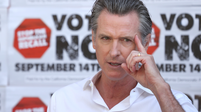 Governor Gaving Newsom encourages a crowd to vote against the recall effort targeting him, Aug. 2021. (Photo/Forward-Justin Sullivan-Getty Images)