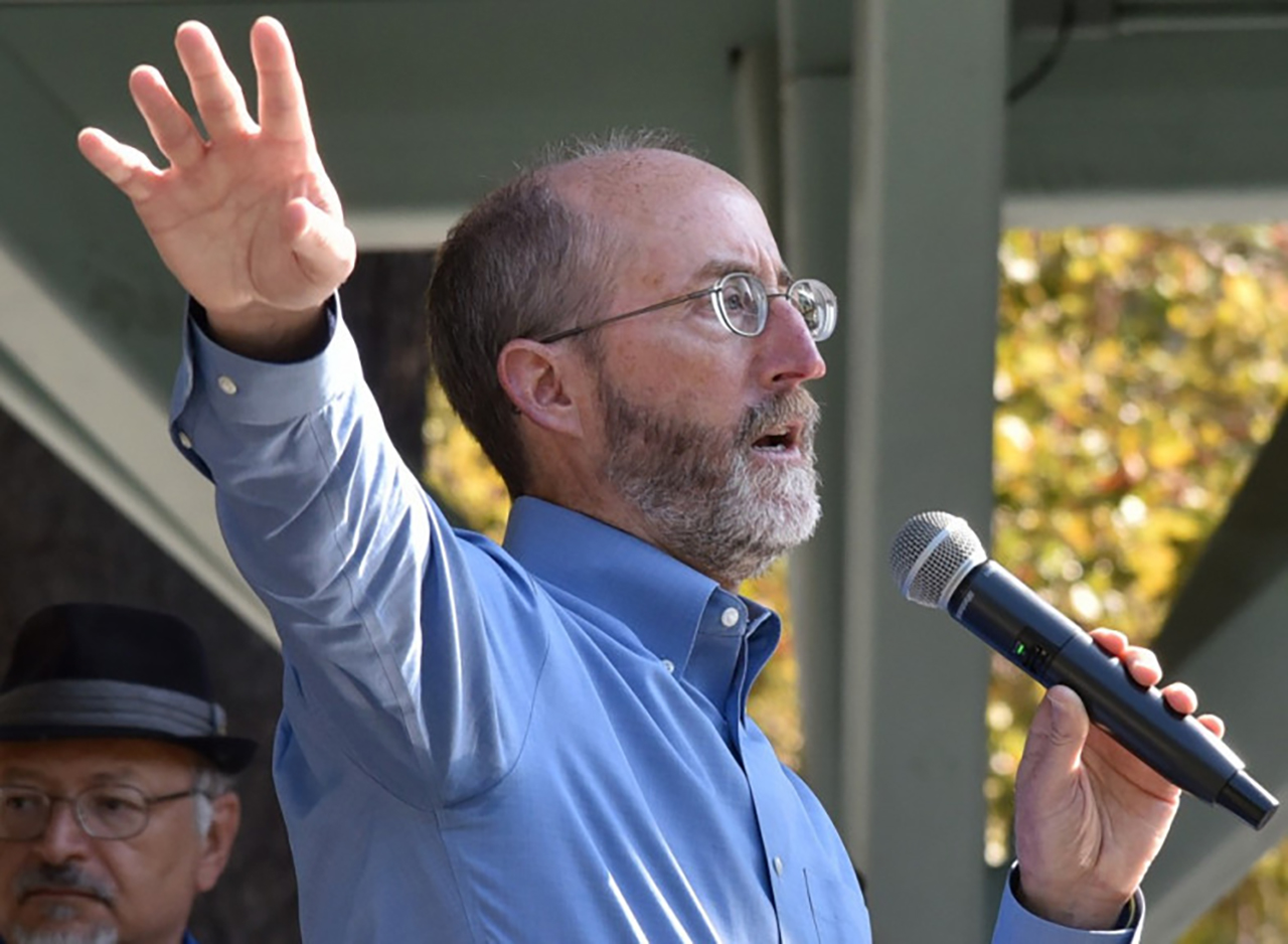 State Senator Steve Glazer speaks before a crowd of supporter at Todos Santos Park in Concord, Sept. 9, 2017, following a march in support of DACA. (Photo/Dan Rosenstrauch)